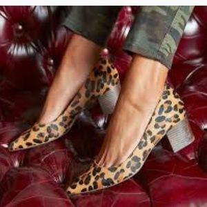 4f857ca3dc57 Sole Society Shoes - BNIB Sole Society Andorra Leopard Block Heel Pump